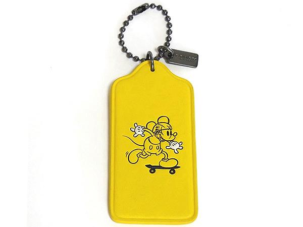 コーチ ミッキーマウス ハングタグF59153黄色 正面
