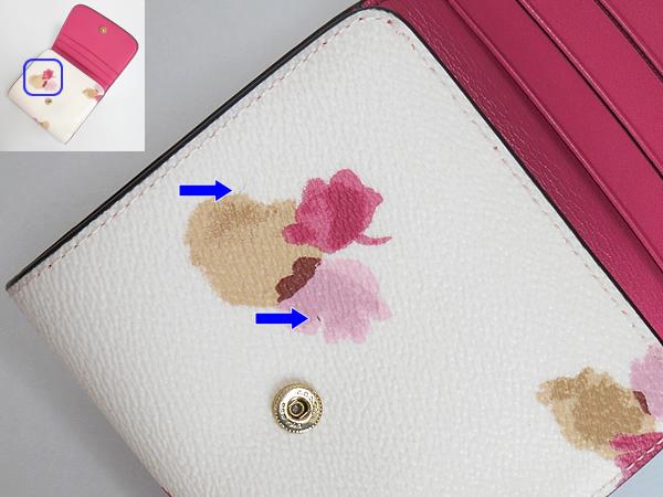 コーチ コンパクト財布F53758白花柄 汚れ