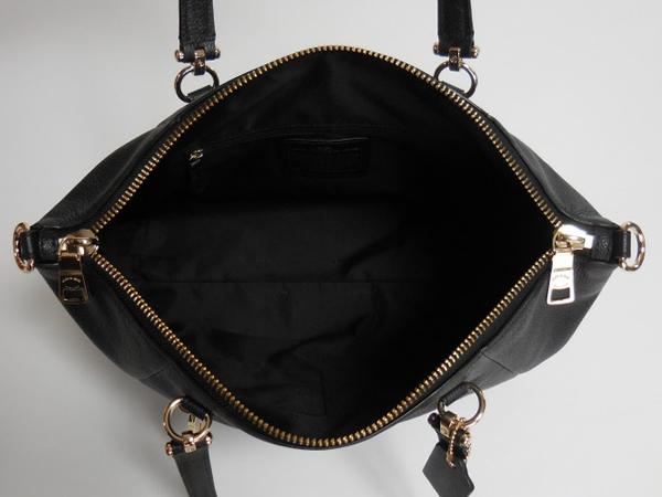 コーチ ハンドバッグ36560黒 荷室