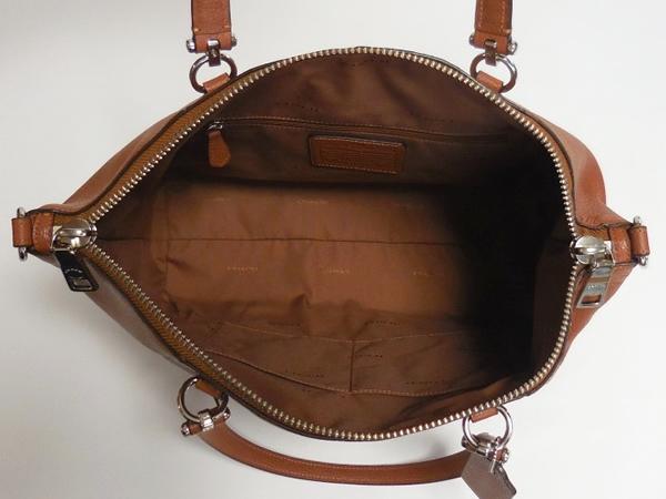 コーチ ハンドバッグ36560茶色 荷室