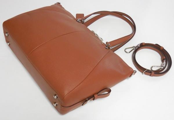 コーチ ハンドバッグ36560茶色 背面