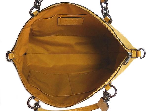 コーチ ハンドバッグF28993黄色 荷室