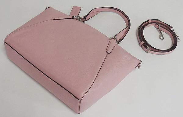 コーチ ハンドバッグF28993淡いピンク 背面