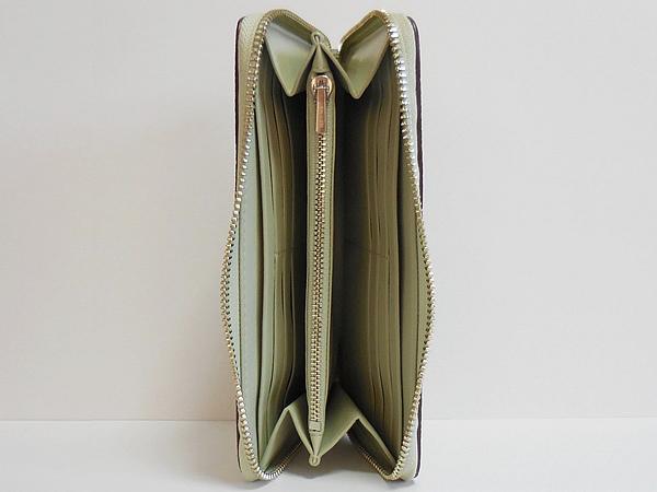 コーチ ジップ長財布58059淡い緑色 内装