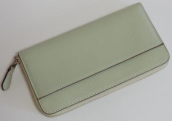 コーチ ジップ長財布58059淡い緑色 背面