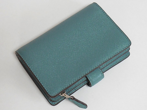 コーチ 二つ折り財布27968薄緑 背面