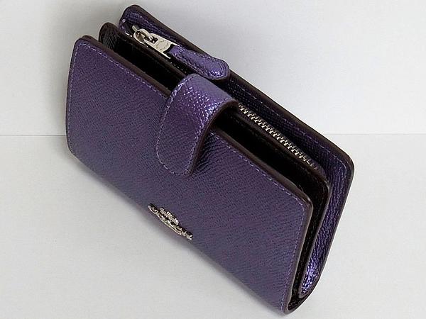 コーチ 二つ折り財布F23256メタリック紫 天面