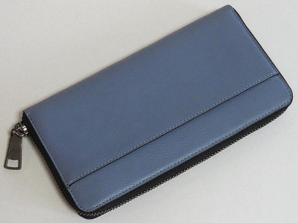 コーチ メンズ ジップ長財布F58102淡い青 背面