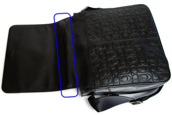 コーチ メンズ 斜めがけバッグ32223黒 折りシワ