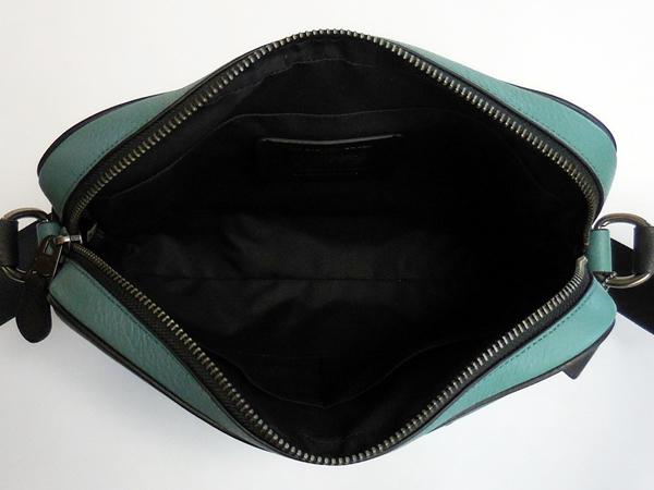 コーチ メンズ 斜めがけバッグF26077緑黒 荷室