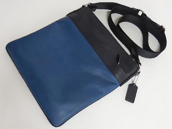 コーチ メンズ 斜めがけバッグF55362紺×青 前面