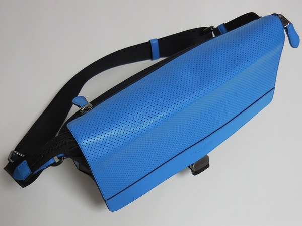 メンズ 斜めがけバッグF71968青×紺 天面