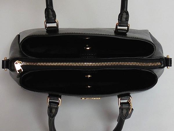 コーチ ミニハンドバッグF32018黒 外ポケット