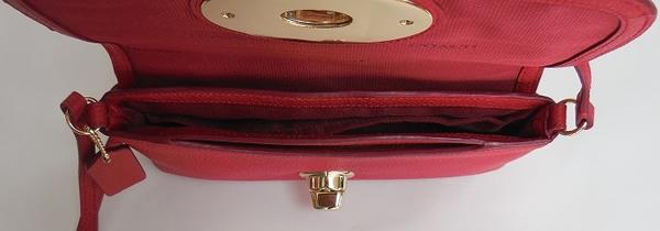 コーチ 斜めがけバッグF52896赤 荷室