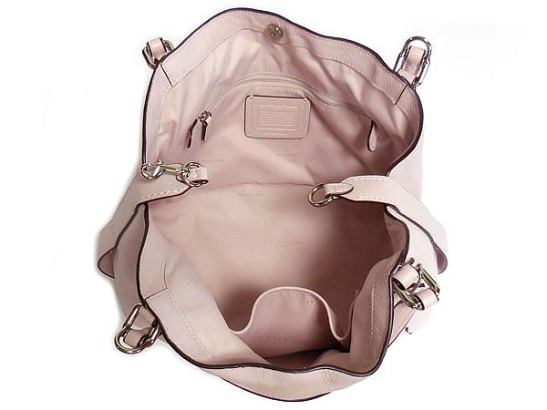 コーチ ショルダーバッグ29847薄ピンク 荷室