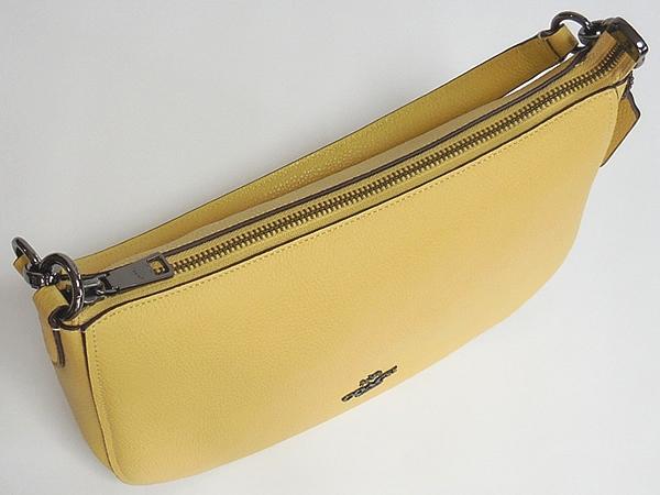コーチ 斜めがけバッグ56819黄色 天面