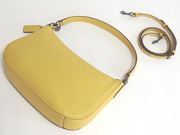 コーチ 斜めがけバッグ56819黄色 背面