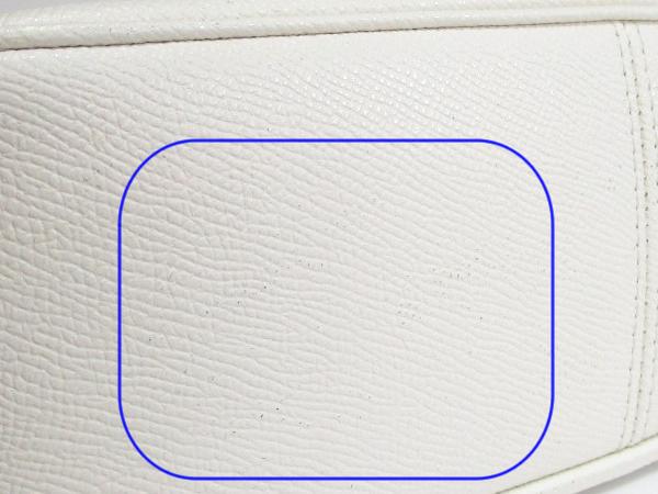 コーチ 斜めがけバッグF72628花柄白 底面黒点