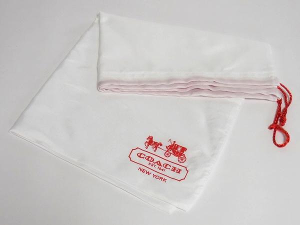 コーチ レディースバッグ 保存袋 白 ロゴ赤 右