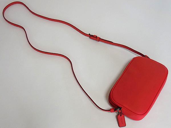 コーチ ミッキーマウス 斜めがけポーチF59072赤 背面